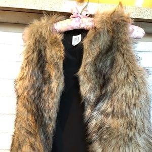 Girls Gap faux brown fur vest size large EUC